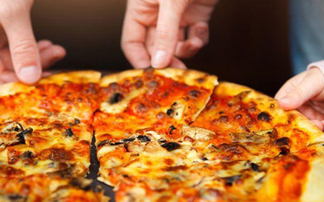 Chez Plisson Pizza - Cách mạng tháng 8