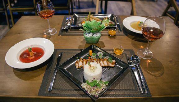 HB Sky Restaurant - HB+ Hotel & Apartment