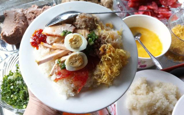 Hồng Liên - Xôi Mặn, Bánh Mì & Bánh Bao