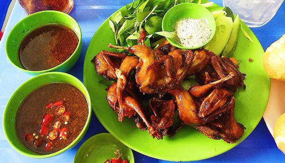 Chị Mai - Cút Chiên Bơ & Vú Heo Nướng