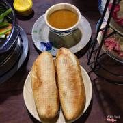 Bánh mì + sốt tôm yum