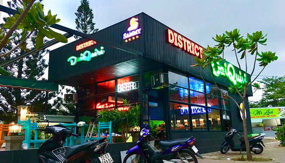 District Daiquiri Pub