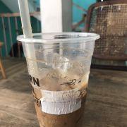 Ly cafe 33k mà dùng ly cũ rửa lại rồi bán cho khách. Thất vọng!