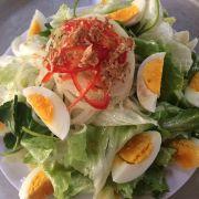 Salad trộn trứng