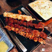 Xiên thịt heo và cheese; da gà nướng xiên giòn; tim gà nướng xiên