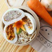 Bánh Bao Cà Ri Gà, Bánh Bao Bò Kho và Bánh Bao Thịt Heo Xông Khói.