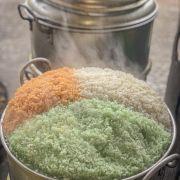 Xôi Gấc ( màu cam) Xôi Dứa ( màu xanh) Xôi dừa ( màu trắng)