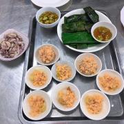 Phần thập cẩm: bánh bèo, bánh ít, bánh nậm và bánh bột lọc
