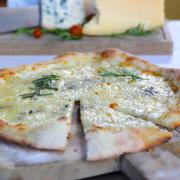 Pizza 4 loại pho mai
