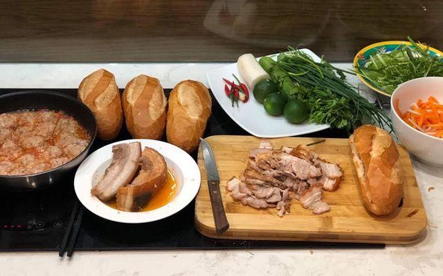 Bánh Mì Lam