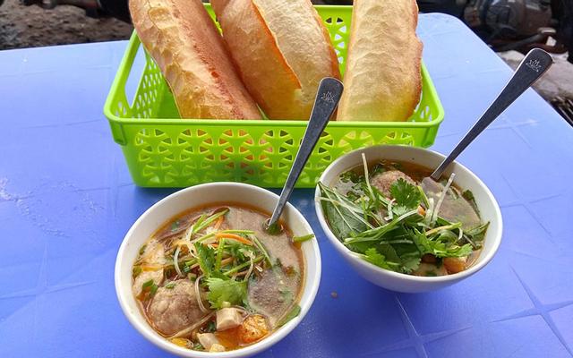 Bánh Mì Xíu Mại Chén - Nguyễn Văn Cừ
