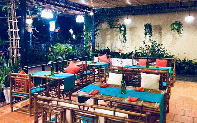 Bird Of Paradise Restaurant - Cafe & Bar