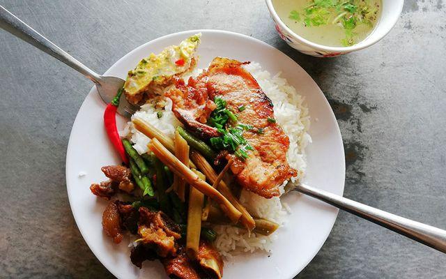 Cẩm Diệu - Cơm Bình Dân, Bún Thịt Nướng & Bánh Tằm Xíu Mại