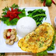 CƠM TRỨNG ĐÚC THỊT: Trứng đúc thịt mềm và ngon, trứng rán vàng thơm lừng, hương vị rất kích thích, lại đầy đủ chất dinh dưỡng.