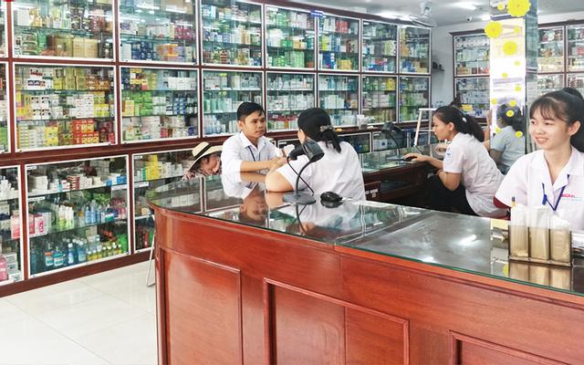 Nhà Thuốc Long Châu - 489 Huỳnh Tấn Phát