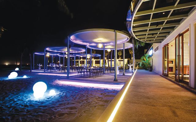 Azure Beach Lounge - Pullman Danang Beach Resort
