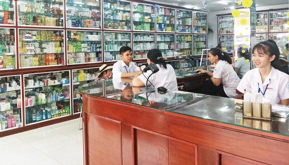 Nhà Thuốc Long Châu - Phạm Hữu Lầu