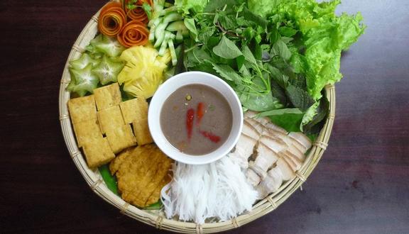 Cô Huệ - Bún Đậu Mắm Tôm & Bánh Tôm Hồ Tây