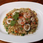 M14. Seafood Fried Rice (Cơm chiên hải sản)