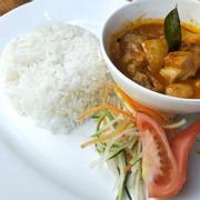 M10. Curry Diced Chicken Rice (Cơm cà ri Gà)