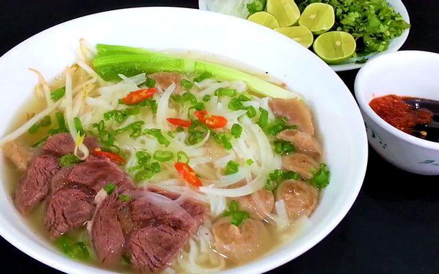 Phạm Gia - Phở & Bún Bò Huế
