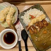Set Cơm cà ri gà chiên + tempura + nước