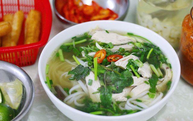 Quán Nhung - Phở Gà & Nem Nướng - Chợ Bến Thành