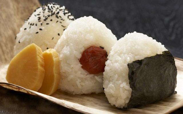 Omusubi - Cơm Nắm Nhật Bản