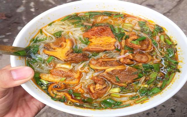 Phở Bò Sốt Vang - Trần Hưng Đạo