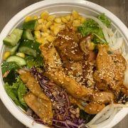 Salad gà + gạo lức