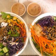 Salad cá hồi và bạch tuột