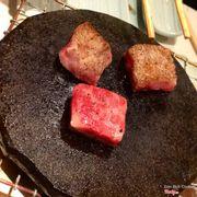 Bò nướng đá