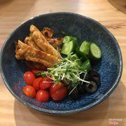 Salad ceasar hoi be ^^ sot de rieng