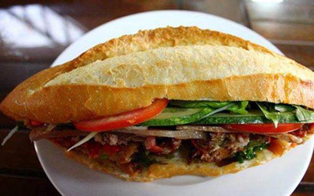 Bánh Mì Gà & Bánh Mì Xíu Mại
