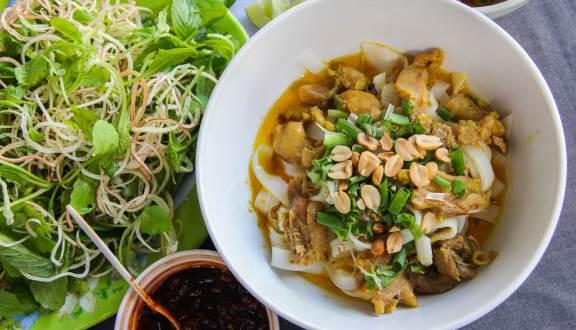 Đặc Sản Đà Nẵng - Mì Quảng, Nem Lụi & Bánh Xèo