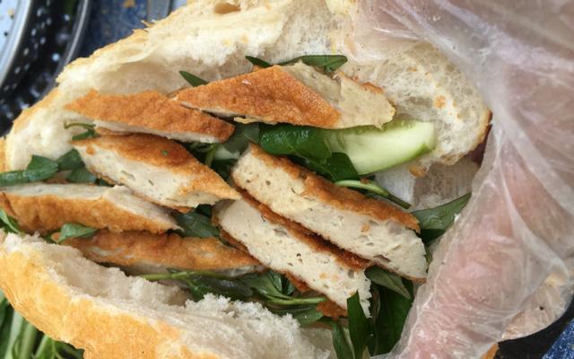 Chú Linh - Bánh Mì Chả Cá