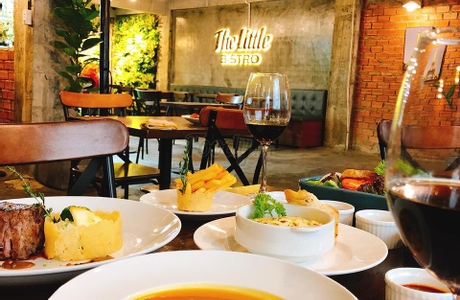 The Little Bistro - Food & Drinks