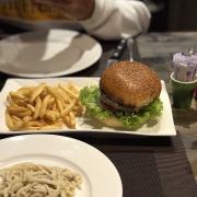Hamburger siêu ngon