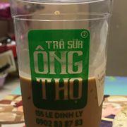 Mình mua trà sữa socola trân châu trắng ko đá, trà sữa bỏ chưa đc nửa cốc, ít đến đáng thương.