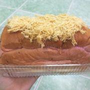 Bánh mì phô mai thanh long 95.000₫