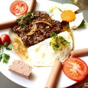 Beafsteak đặc biệt - ăn với bánh mỳ rất ngon