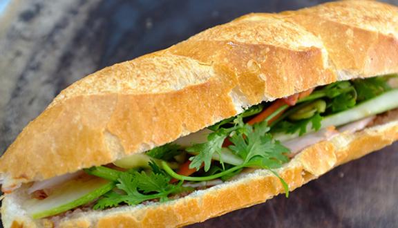 Xe Bánh Mì Chả Cá - Lê Quang Định