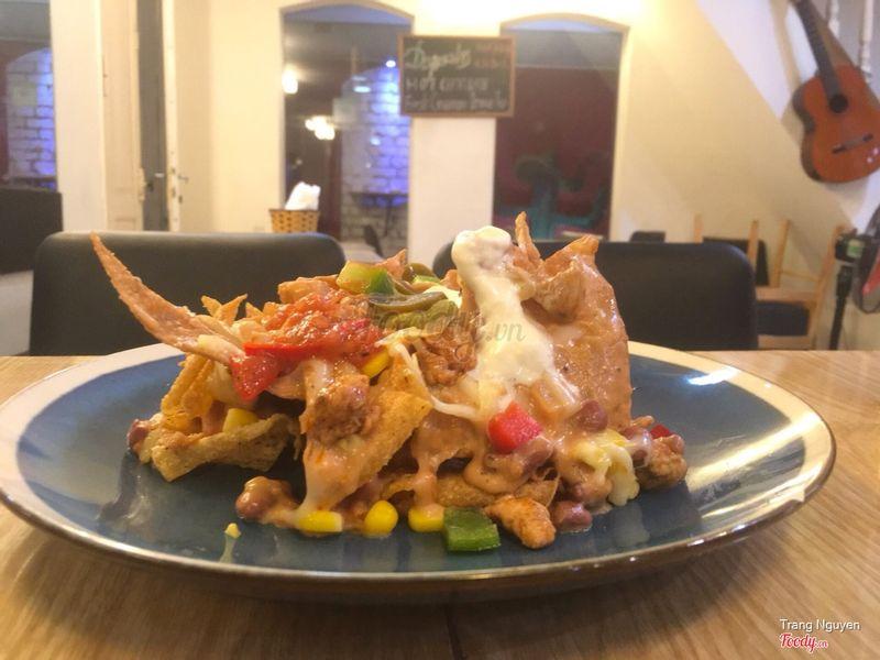 Special chicken nachos