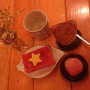 Mochimisu 49k, Mochi vị dâu 20k, Vietnam Yokan cake 35k :x đẹp đẹp <3