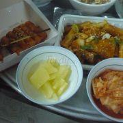 Tokbokki chiên + tokbokki fomai + củ cải + kim chi