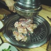 Thịt nướng hơi nhiều mỡ