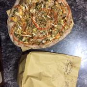 Toàn cảnh pizza Huế nướng :3