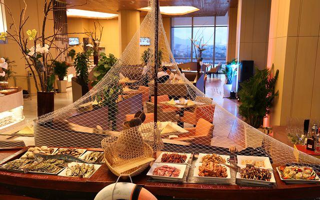 The Square Restaurant - Novotel Danang Premier Han River Hotel