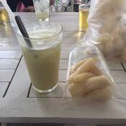 Nước mía sầu riêng & khoai mì nước cốt dừa