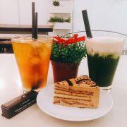 trà đào + trà xanh váng sữa + tiramisu